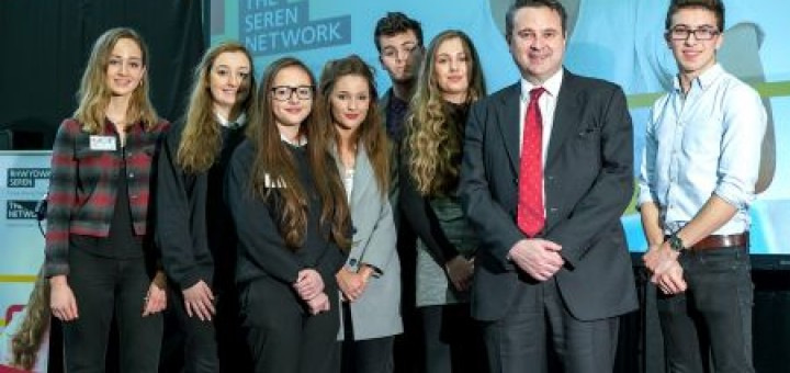 Jess alongside Huw Lewis,, Education Minister